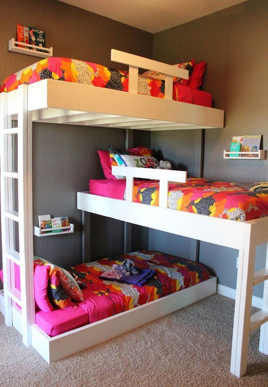 Picture of: Cool Loft Bed Design Ideas For Small Room 33 Rockindeco