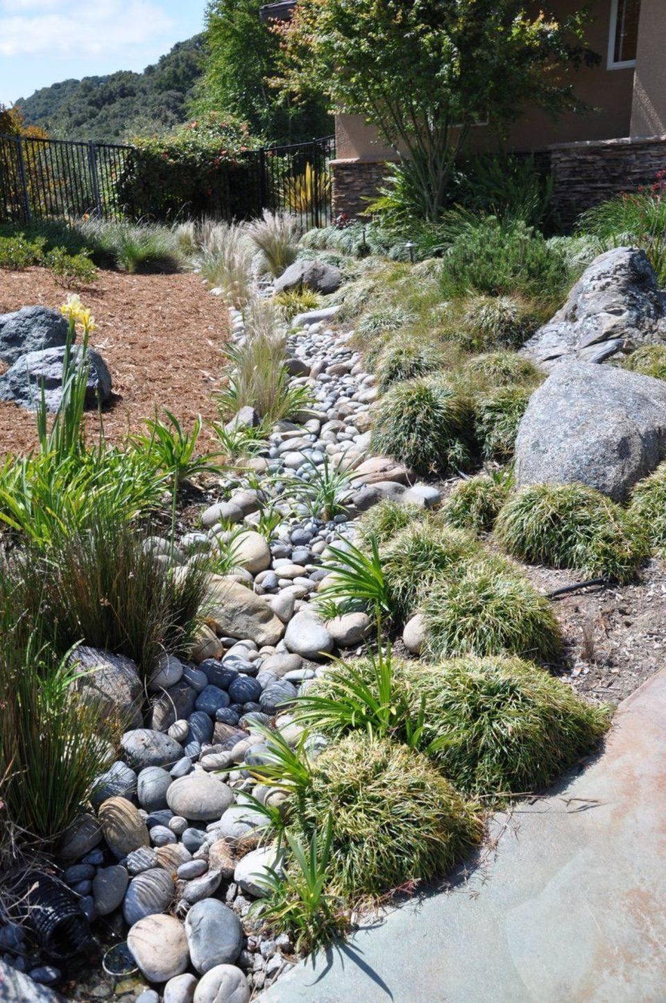 Inspiring Dry Riverbed and Creek Bed Landscaping Ideas 36 ...