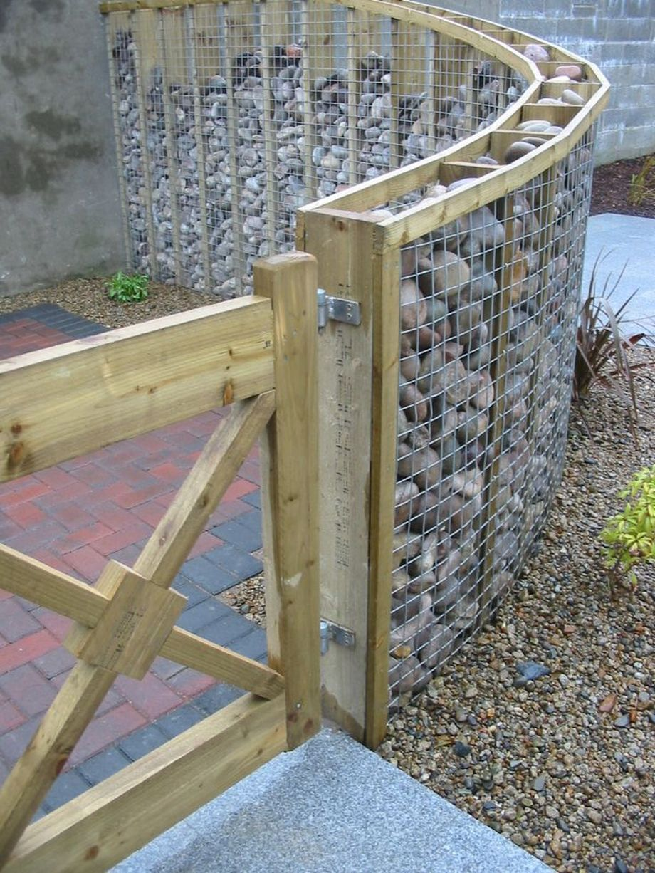 Stunning Creative Fence Ideas for Your Home Yard 29 ...