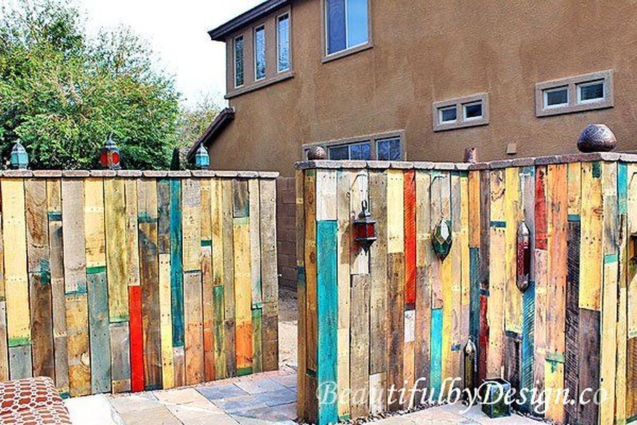 Stunning Creative Fence Ideas For Your Home Yard 4 Rockindeco